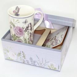 Levanduľová šálka v hranatej krabičke
